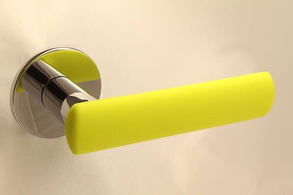 HK-HELAT sisäoven painike 04 kromi keltaisella kuorella