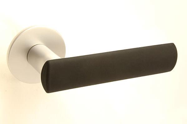 HK-HELAT sisäoven painike 04 satiini mustalla kuorella
