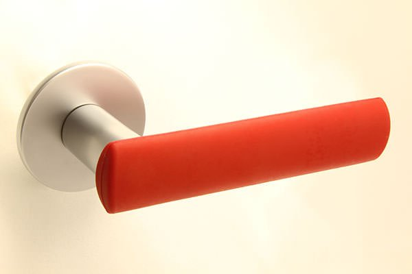 HK-HELAT sisäoven painike 04 satiini punaisella kuorella
